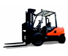 Mid-Sized Capacity Forklifts – Diesel Powered