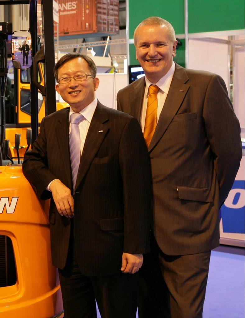 Tim Waples & Dr Keunbae Park (a)