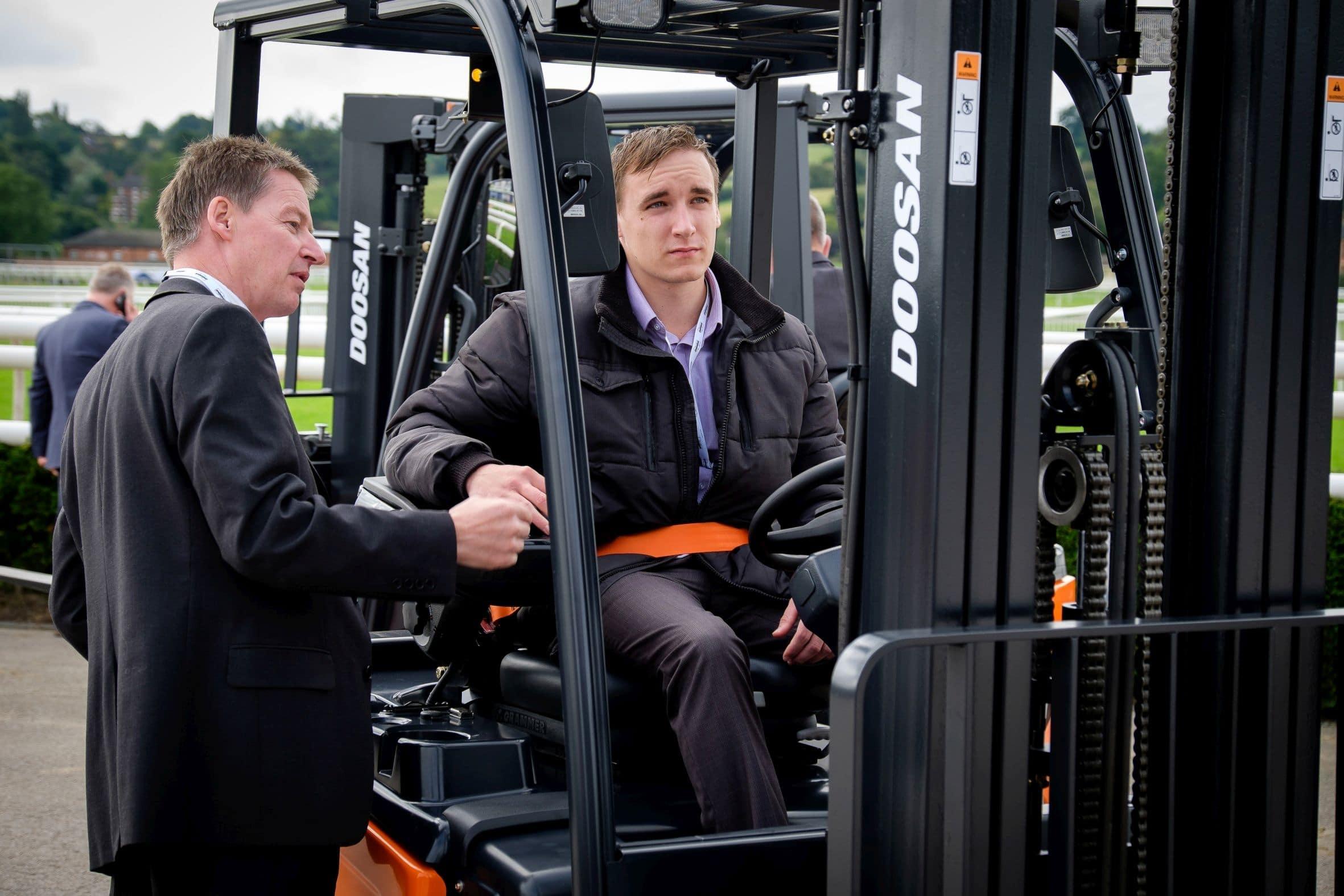 Doosan Industrial Vehicle UK launches new electric truck range