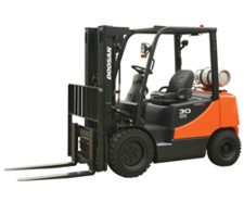 Mid-Sized Capacity Forklifts – LPG Powered