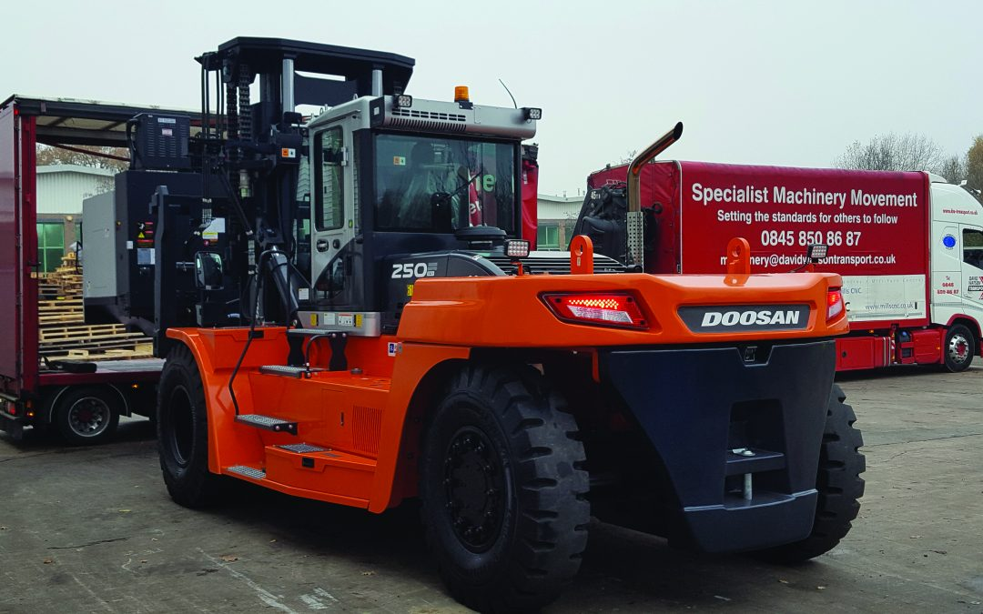Mills CNC goes for heavy handling with Doosan's gentle giant